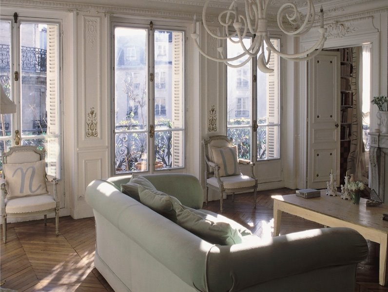 More french shabby chic apartments for Arredamento stile parigino