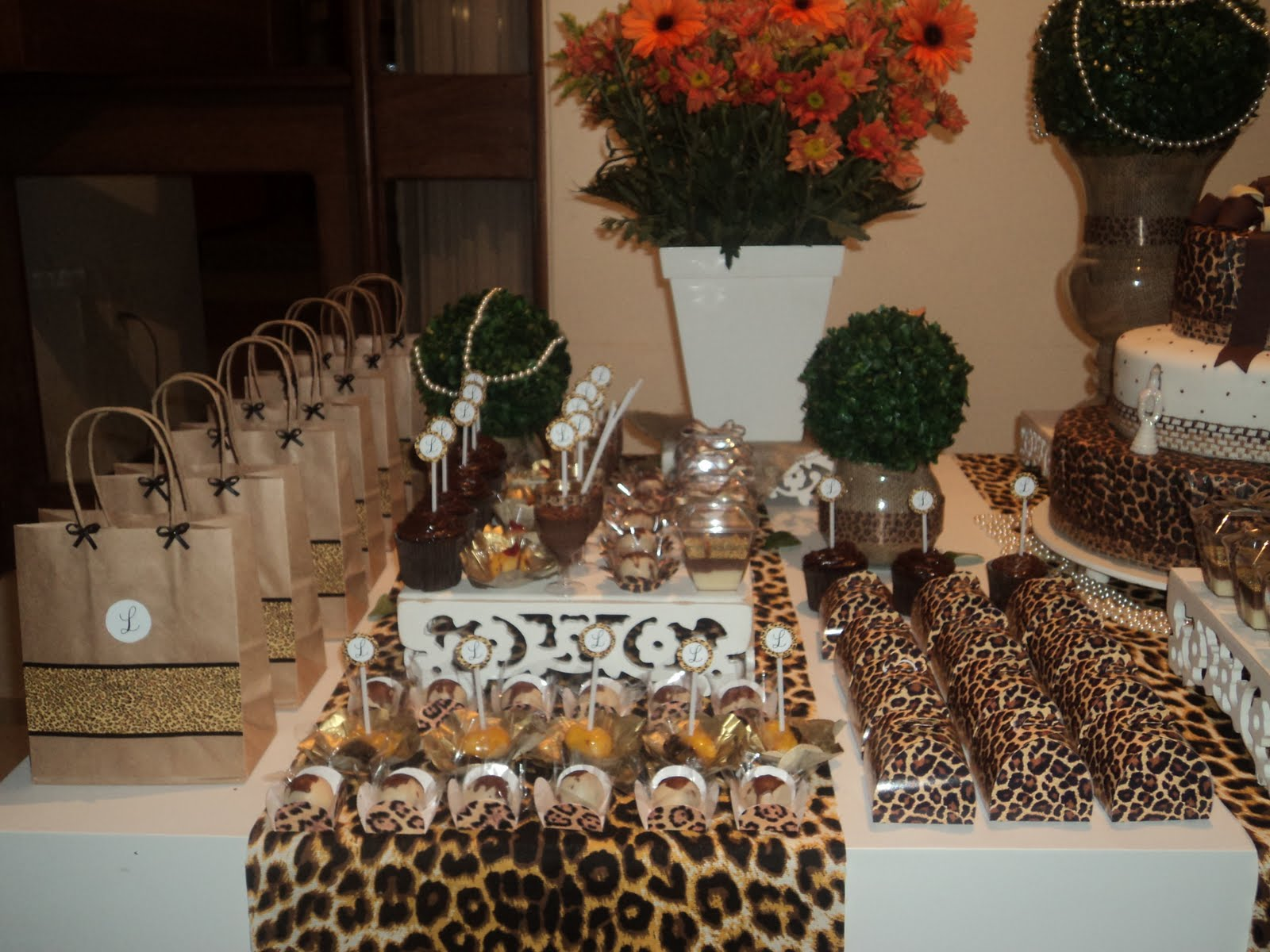 MÁGICA FESTA Decoraç u00e3o de aniversário de 30 anos de Onça -> Decoração De Zebra Para Aniversario