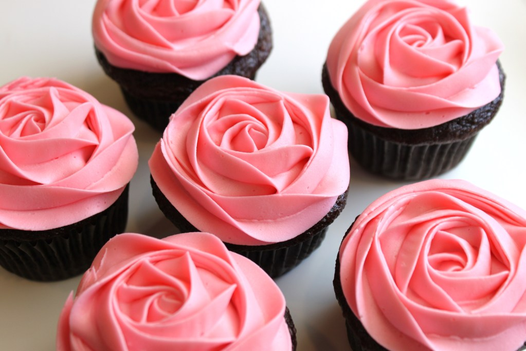 Buttercream Frosting Rose Cupcakes, Frosting Rose Cupcakes, Cupcakes