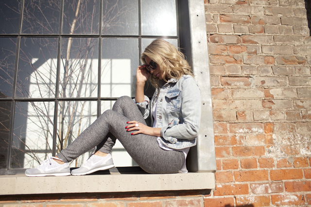 Grey Nike sneakers, Bench leggings, athletic fashion