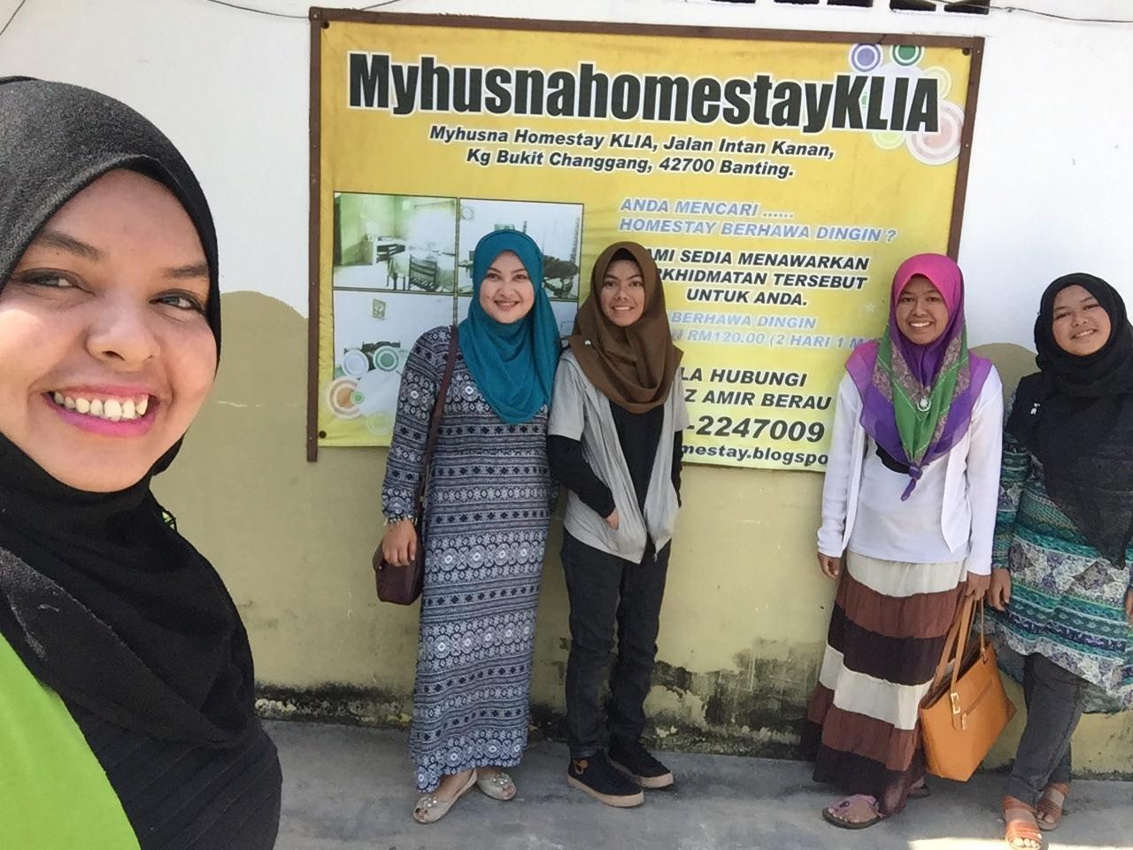 Cik Syakira & Family