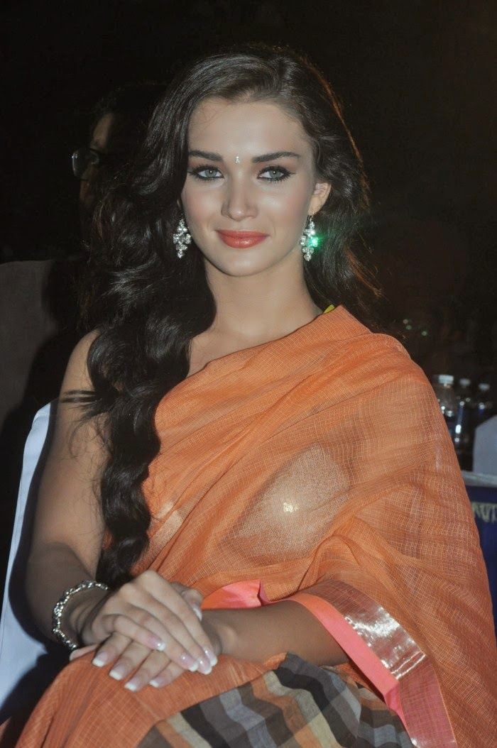 Amy jackson transparent saree huge cleavage pics hd hot pics