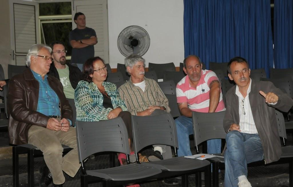 Na Casa de Cultura, o Secretário Wanderley Peres falou sobre o projeto Memória Municipal