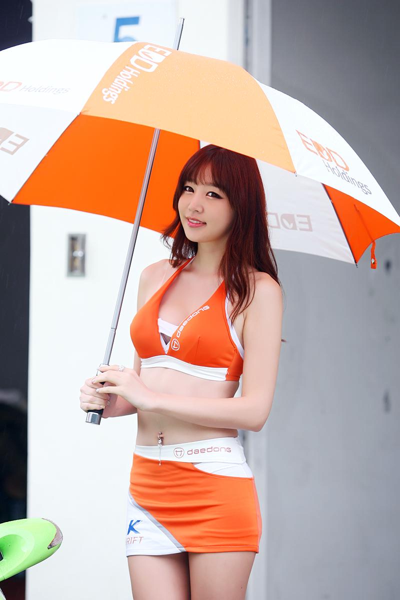 Hong Ji Yeon at CJ SuperRace R6 2012