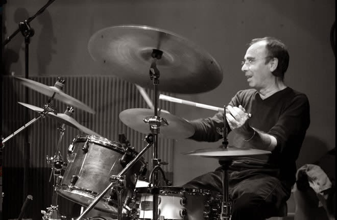 Larry Martin (Banzai, Miguel Ríos)