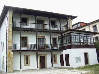 Villaviciosa, casa de Rodrigo de Hevia, fachada posterior