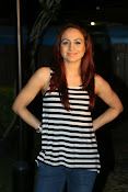 Aksha latest glamorous photos-thumbnail-15