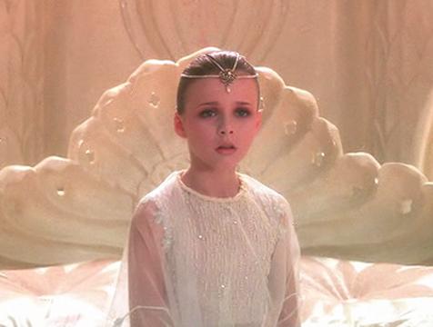 La Emperatriz Infantil (Tami Stronach) en La historia interminable - Cine de Escritor