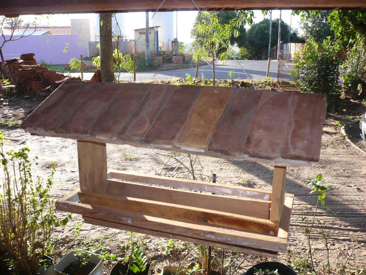 decoracao de jardins rusticos, telhado é de antigos tacos de