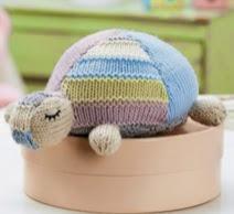 http://www.letsknit.co.uk/free-knitting-patterns/gillian-the-adorable-tortoise