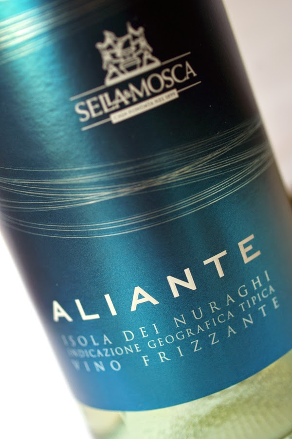 etichetta vino bianco leggero aperitivo packaging naming design bottiglia label sardegna