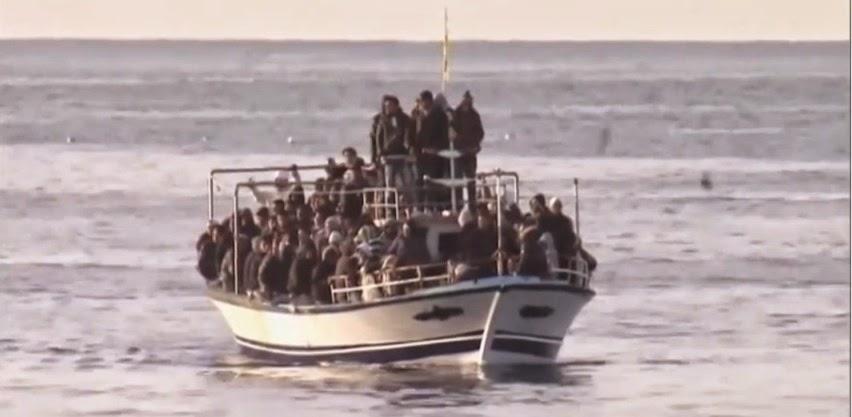 Oi μετανάστες έρχονται τώρα από την Τουρκία μέσω θαλάσσης προς τη χώρα της ΕΕ την Ελλάδα