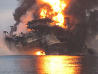 Deepwater Horizon rigs burns