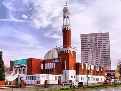 mesjid di inggris - perkembangan islam inggris