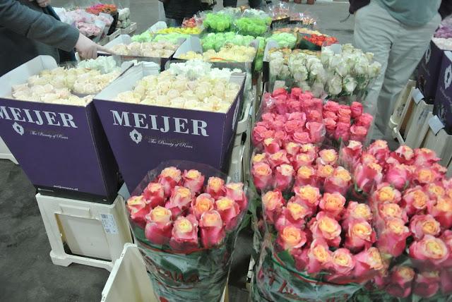 Pink roses, white roses New covent garden flower market