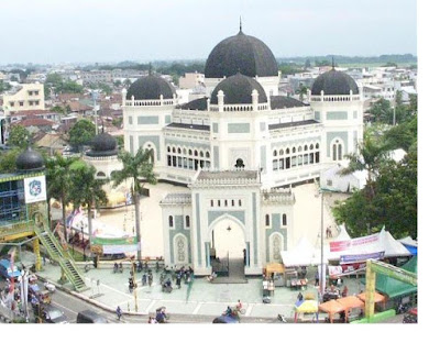 Great Mosque of Medan Tourist Places in Sumatra