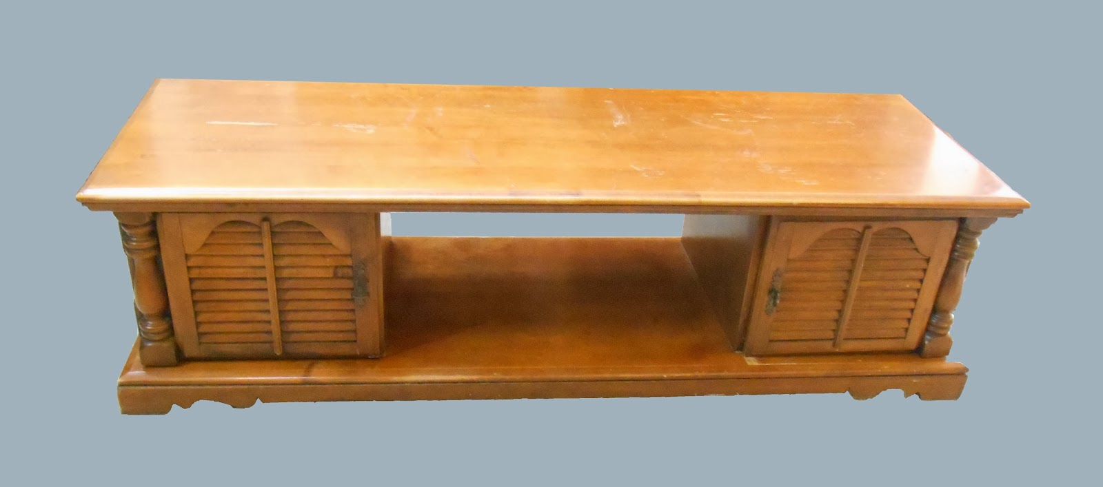 Uhuru Furniture Collectibles Traditional Style Coffee Table Sold