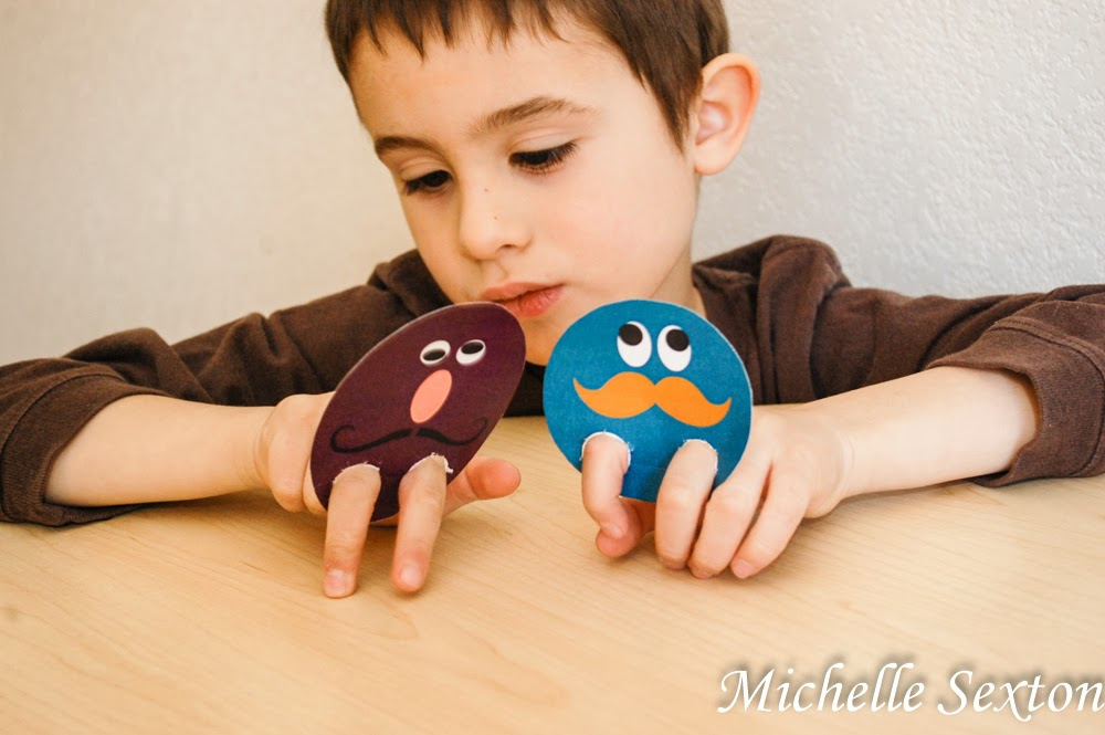 Get these finger puppets! Free printable to download  - click through!