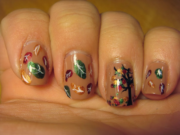 spud nails glittery fall leaves