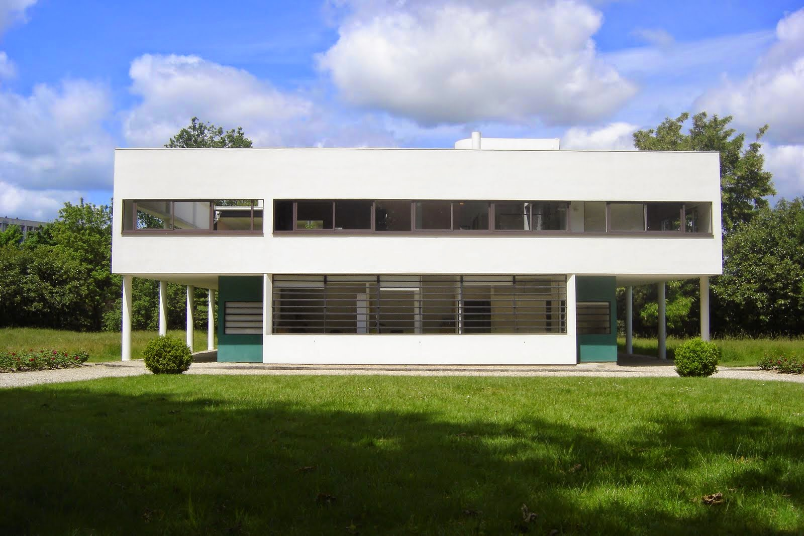 Ecomanta le corbusier villa savoye france 39 s modern for Famous home designs