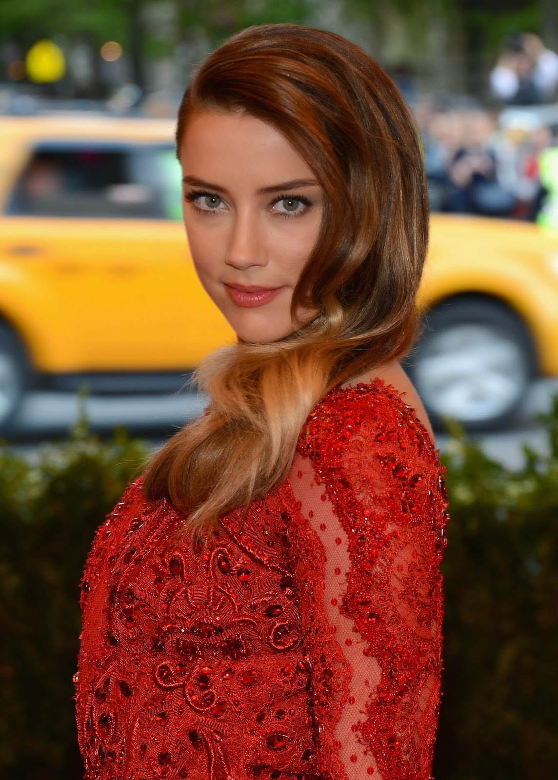 HD Wallpapers of Amber Heard attends