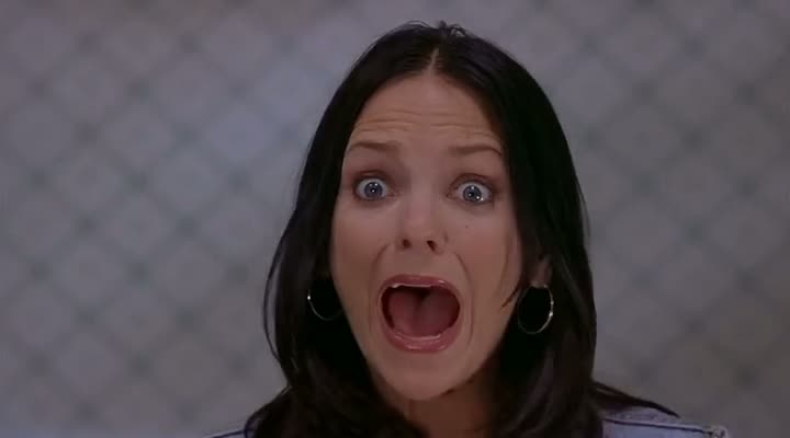 Screen Shot Of Scary Movie 2 (2001) Dual Audio Movie 300MB small Size PC Movie