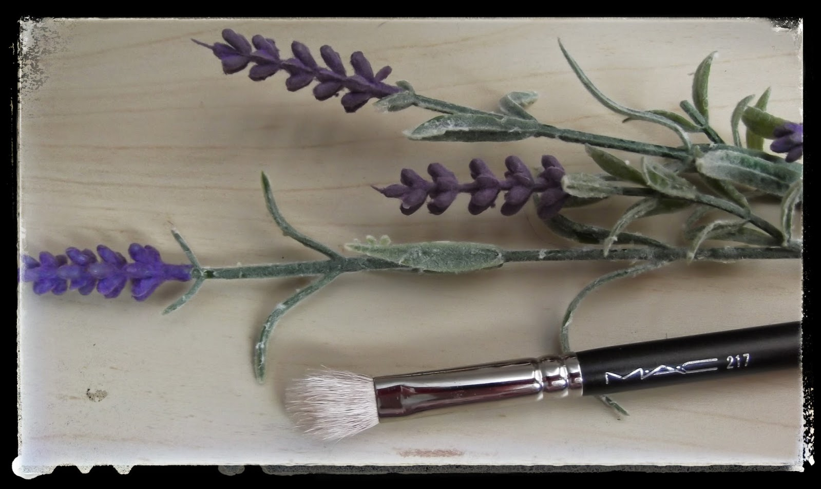 MAC 217 brush review