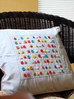 almofadas com botoões