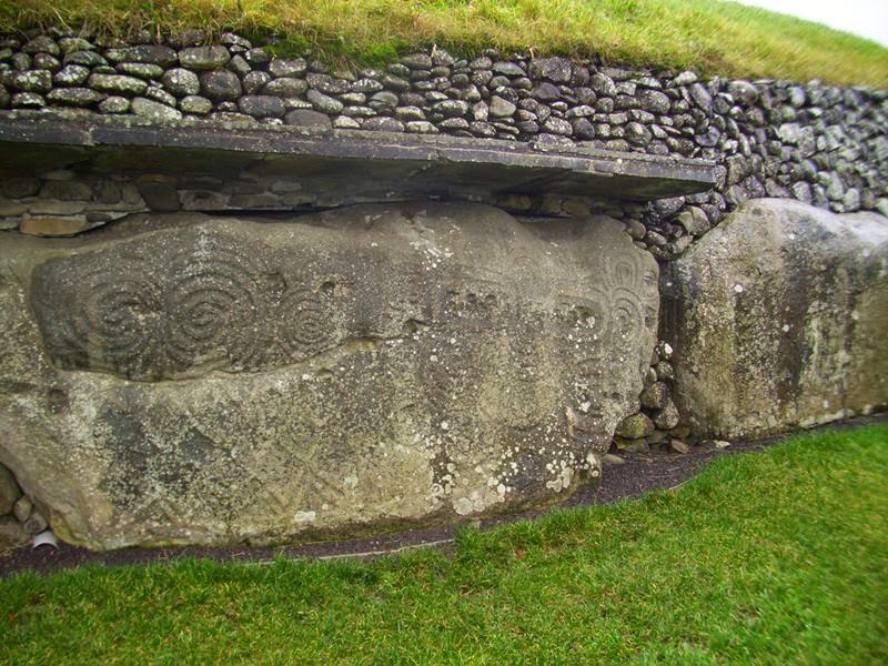 Brú na Bóinne, The Bend of the Boyne   Newgrange, Ireland