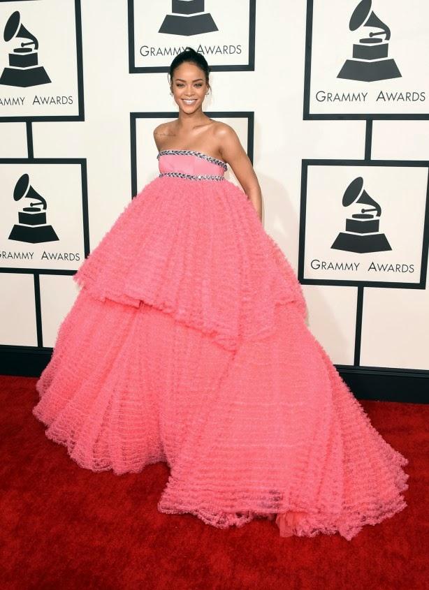 Rihanna Grammy 2015