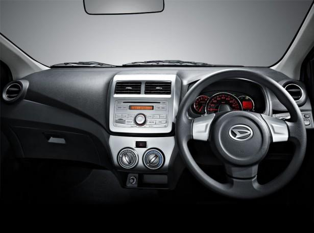belakang gambar mobil daihatsu ayla daihatsu ayla tampak samping