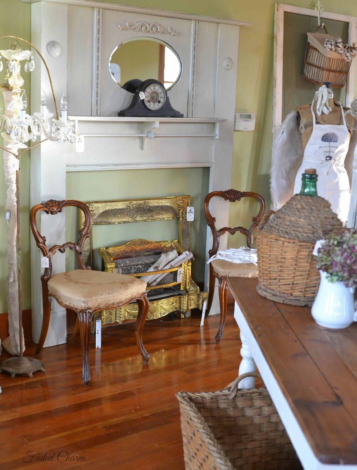 Vintage Charm Decor Home Decorating Ideas