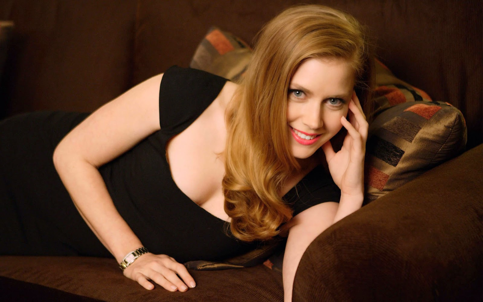Amy adams sleeping on the bed hot or sexy wallpapers