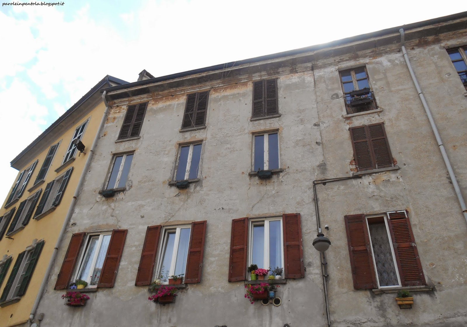 Girovagando per como il centro for Portico laterale in stile casa in stile charleston