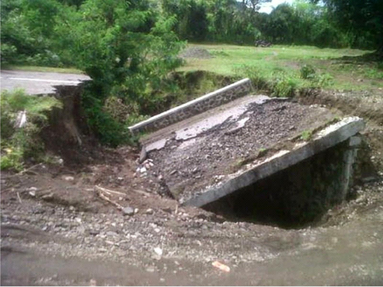 Jembatan Penghubung  Wera-Kota Bima, Ambruk