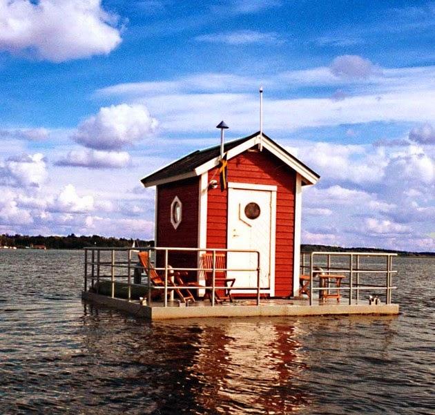 Utter Inn  Floating house