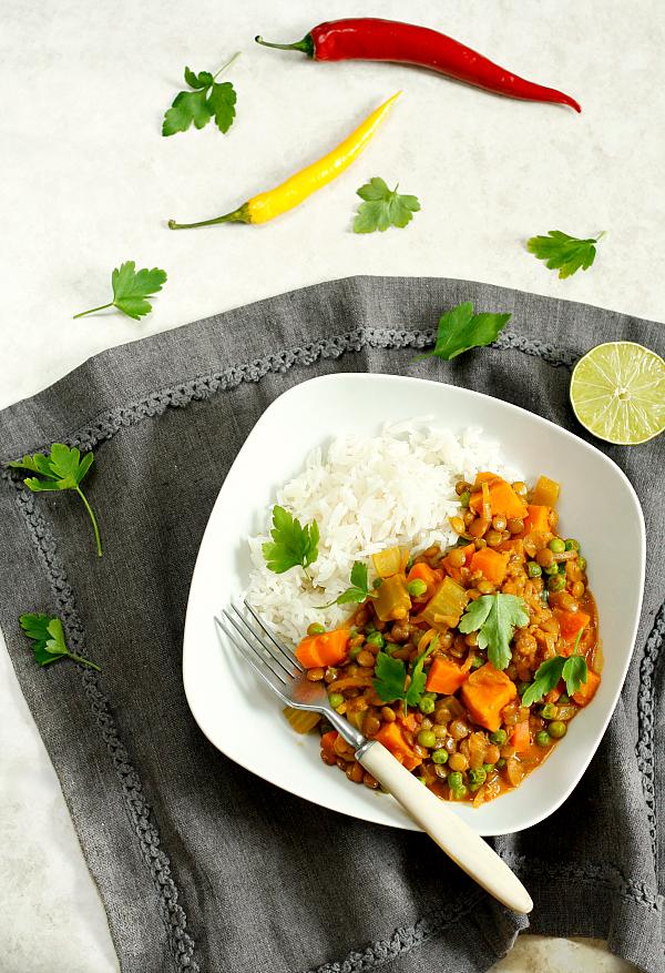 Warzywne curry z soczewicą