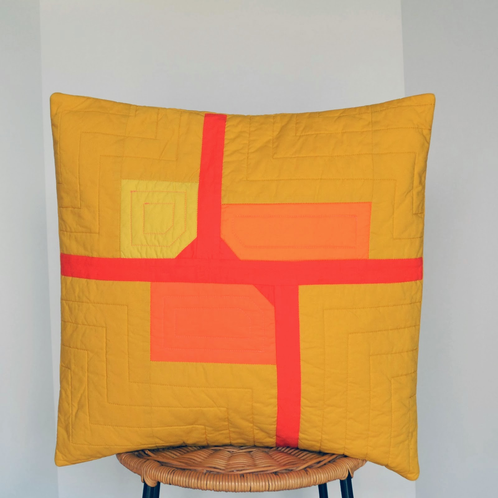 Modern Pillow Fort : Fort Worth Fabric Studio: Fabric Frenzy Friday Features