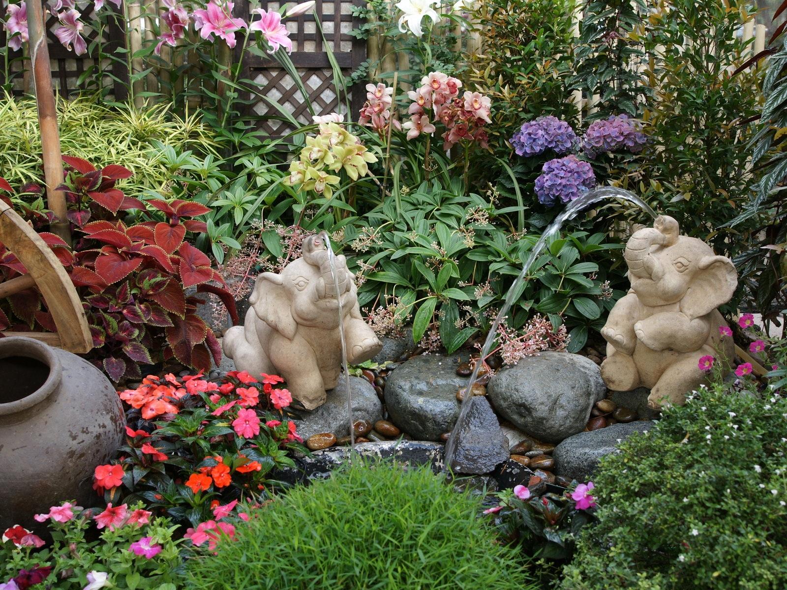 Vida jard n jardines peque os con encanto for Plantas en jardines pequenos