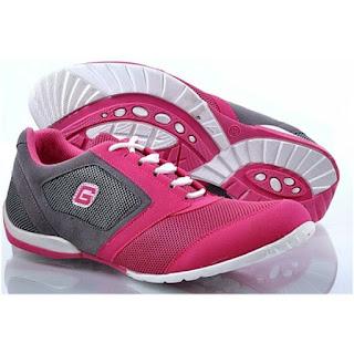 Model Sepatu Olahraga Wanita Yang Pas dan Nyaman