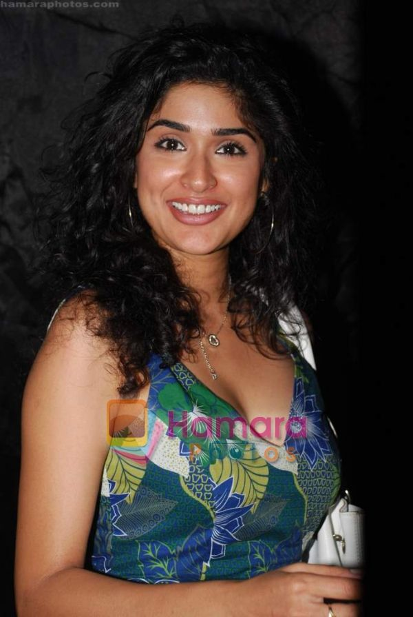 Anjala Zaveri - Images
