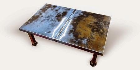 Table Basse avec un Capot Recyclé de Voiture