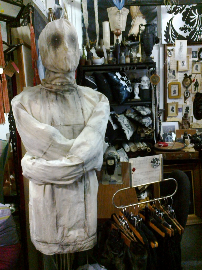 ANNO DOMINI HOME: VICTORIAN STRAIGHT JACKET AND MASK