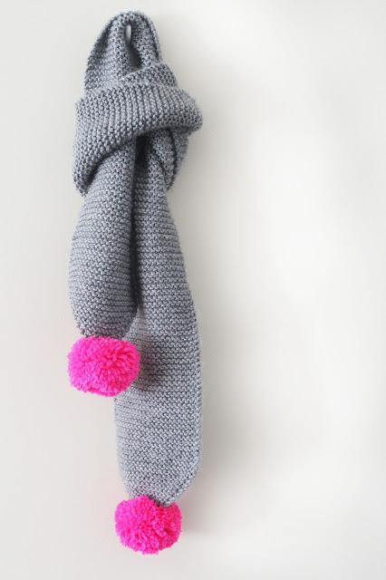 Knitting Pattern For Scarf With Pom Poms : maker*land.: Easy kids pom pom scarf