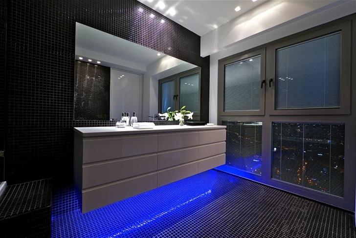 Blue light in the black bathroom