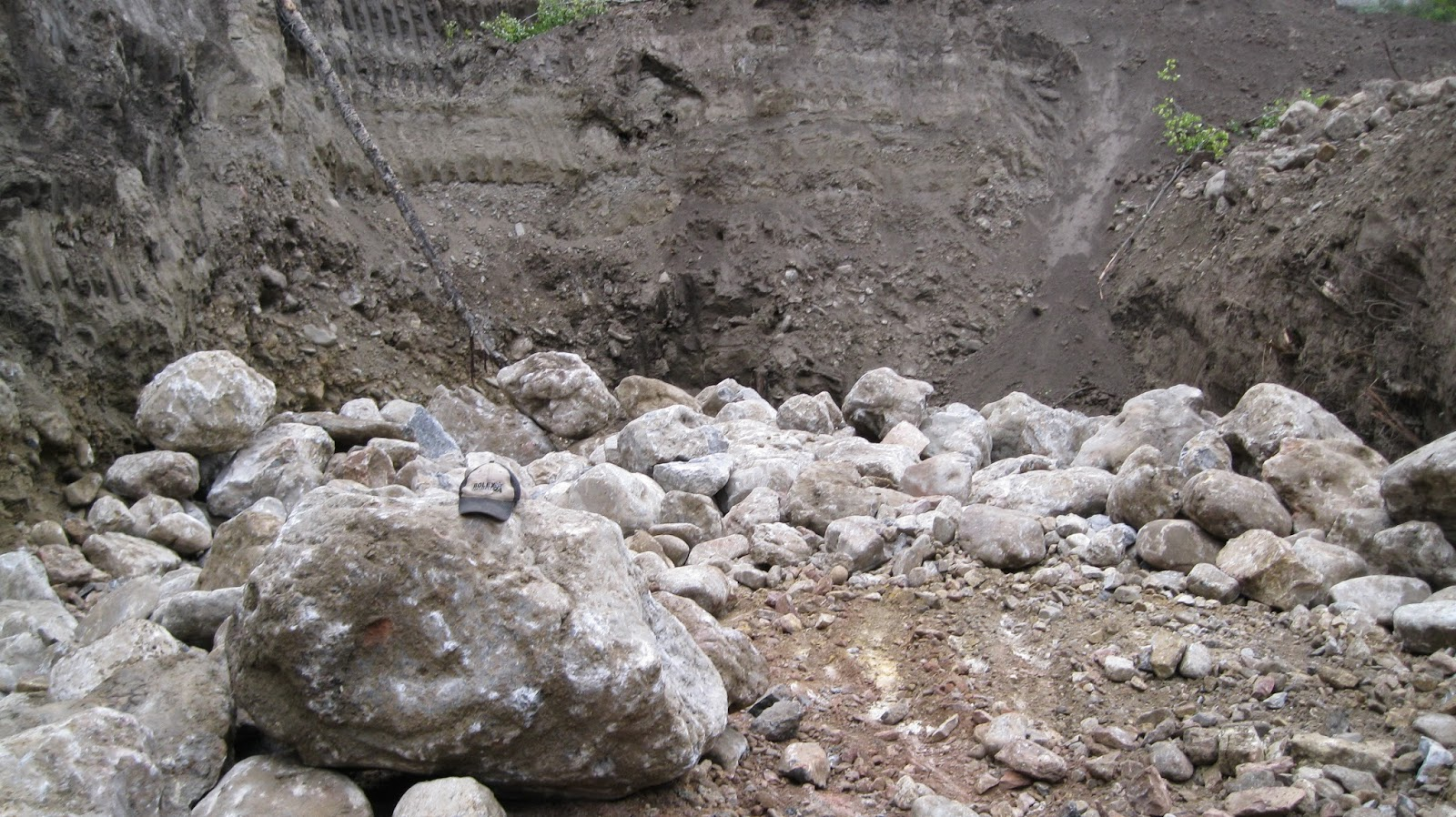 Managing  boulders on your gold placer mining cut