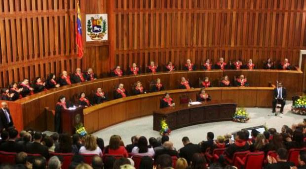 Las armas de coronel para los miembros del llamado for Sala 4 tribunal supremo