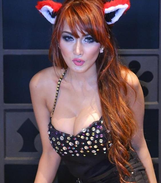 wow cantik seksi koleksi 40 foto hot rhere valentina