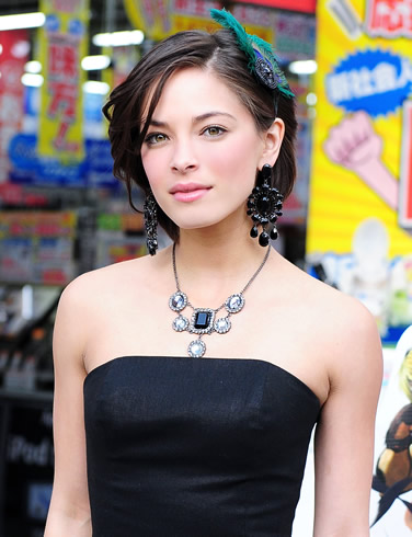 kristin kreuk breast