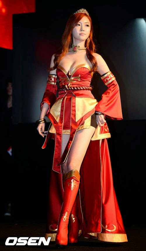 TOP 10 Sexy Cosplay Girls Dota 2